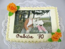 dort babičce s jedlou fotografií