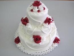 bílý dort patrový