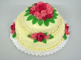 dort champagne s růžemi dvou barev