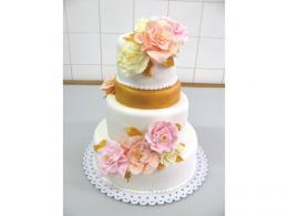 bílozlatý dort se šípkovými květy 166