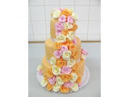 oranžový dort s růžemi