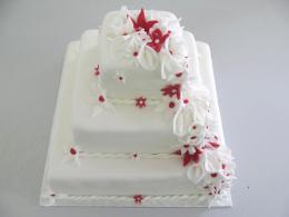 bílý dort čtverec patrový
