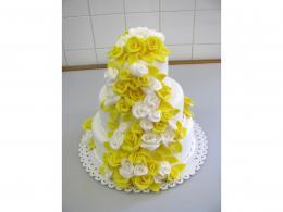 dort svatební žlutobílé růže