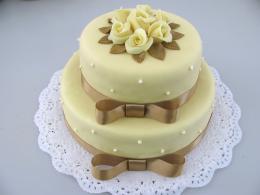 patrový dort se stuhou