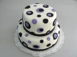 dort s kolečky lila