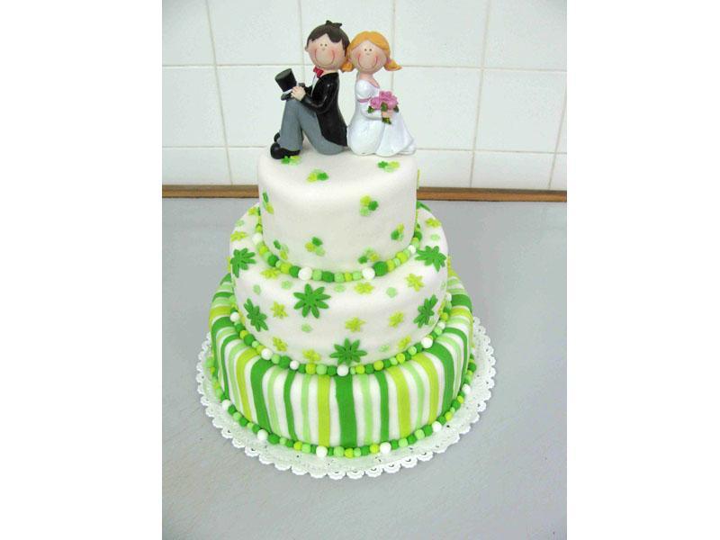 svatební dort s figurkou