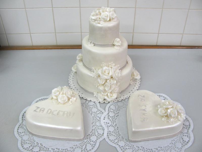 svatební dorty s perleťovým leskem