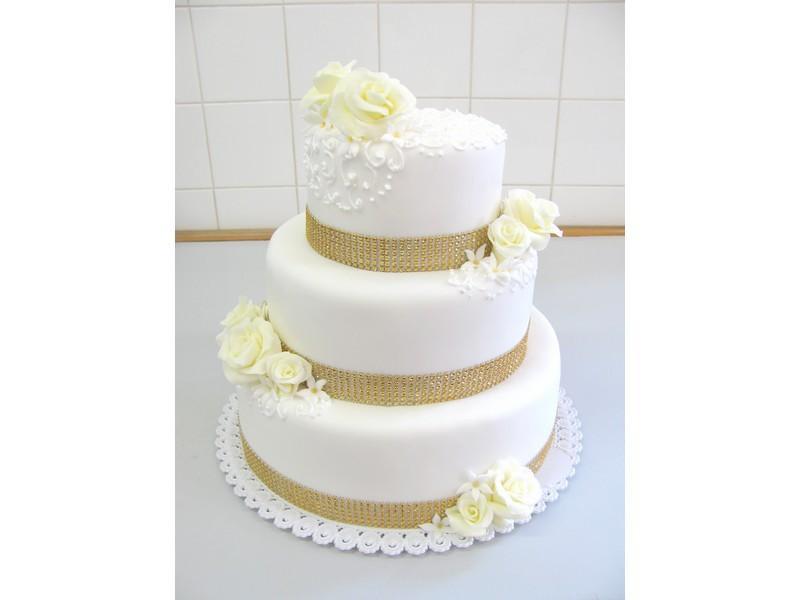svatební dort se zlatým zdobením