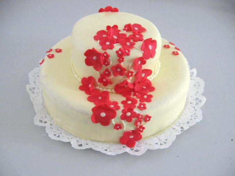 kulatý dort patrový
