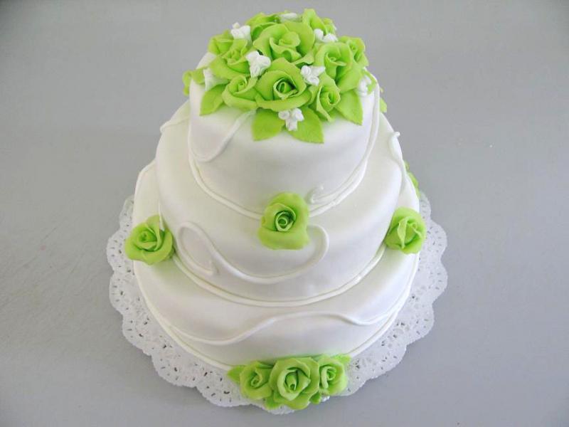 svatební dort zelenobílý