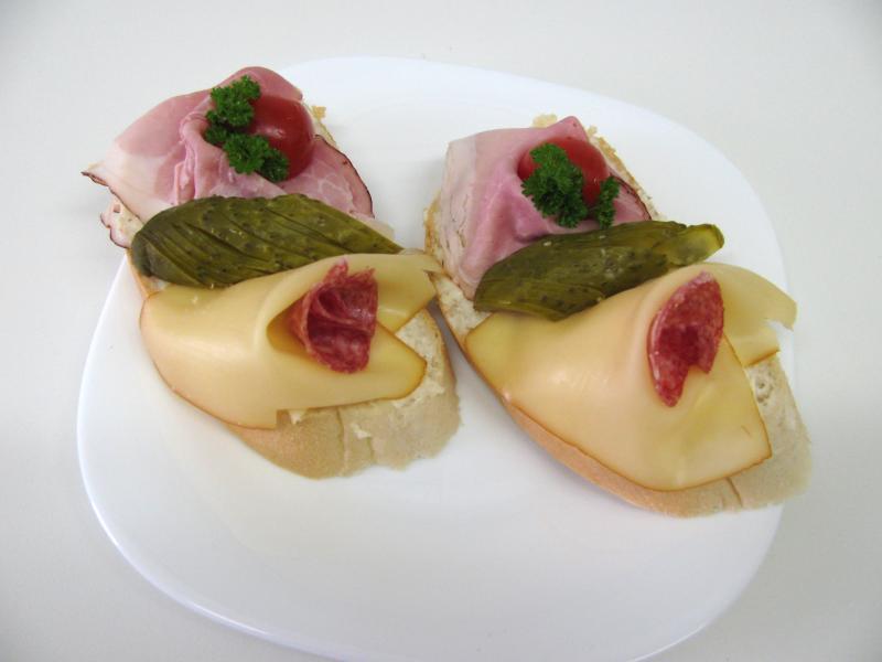 moravské uzené, uzený sýr, salám